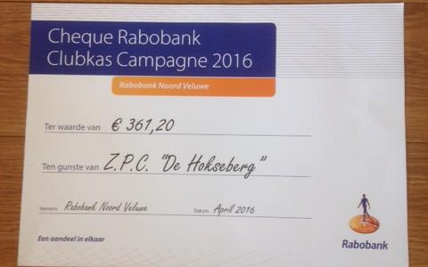 Hokseberg krijgt cheque van Rabobank Clubkas Campagne!!